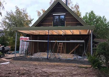 ombygning og tilbygning af hus med halvtag
